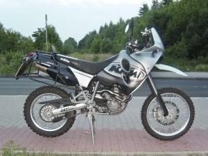 fahrzeuge_motorrad_ktm_adventure_640_01