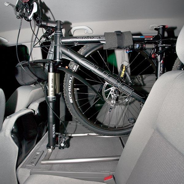 fahrradhalter im pkw. Black Bedroom Furniture Sets. Home Design Ideas
