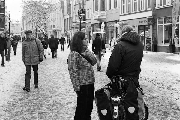 fotografie_analog_street_experiment_dezember_maedchen